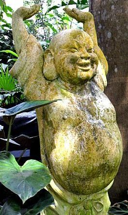 huntes-gardens-smiling-buddha-statue