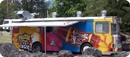 miami-beach-snack-bar-bus-named-mr-delicious