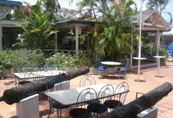 cannon in court of ship inn barbados