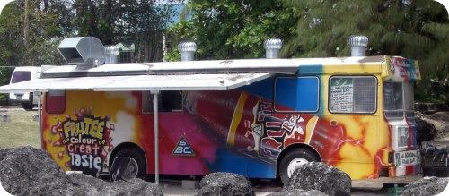 miami-beach-snack-bar-bus-named-mr-delicious